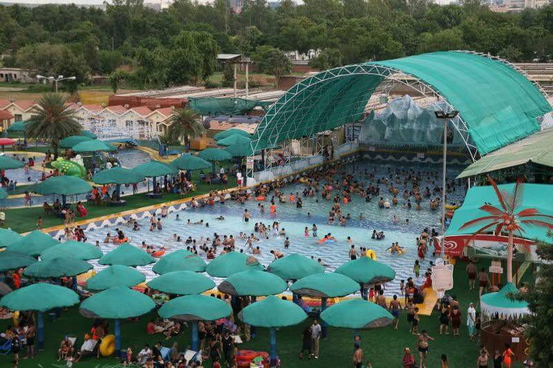 10 Exotic Water Parks To Go This Summer The Plunge Daily