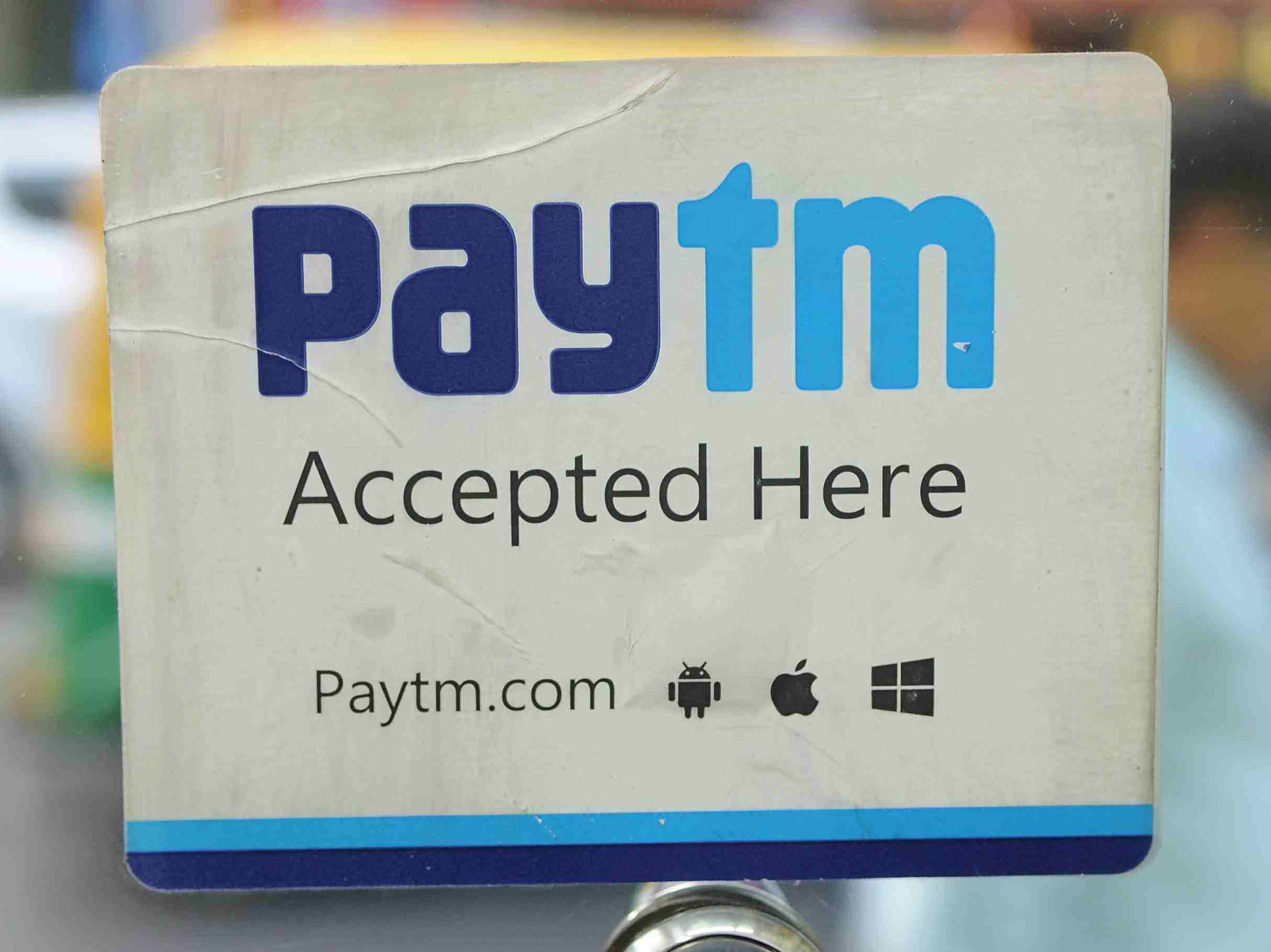 Paytm quickly rolls back the 2% fee on credit cards