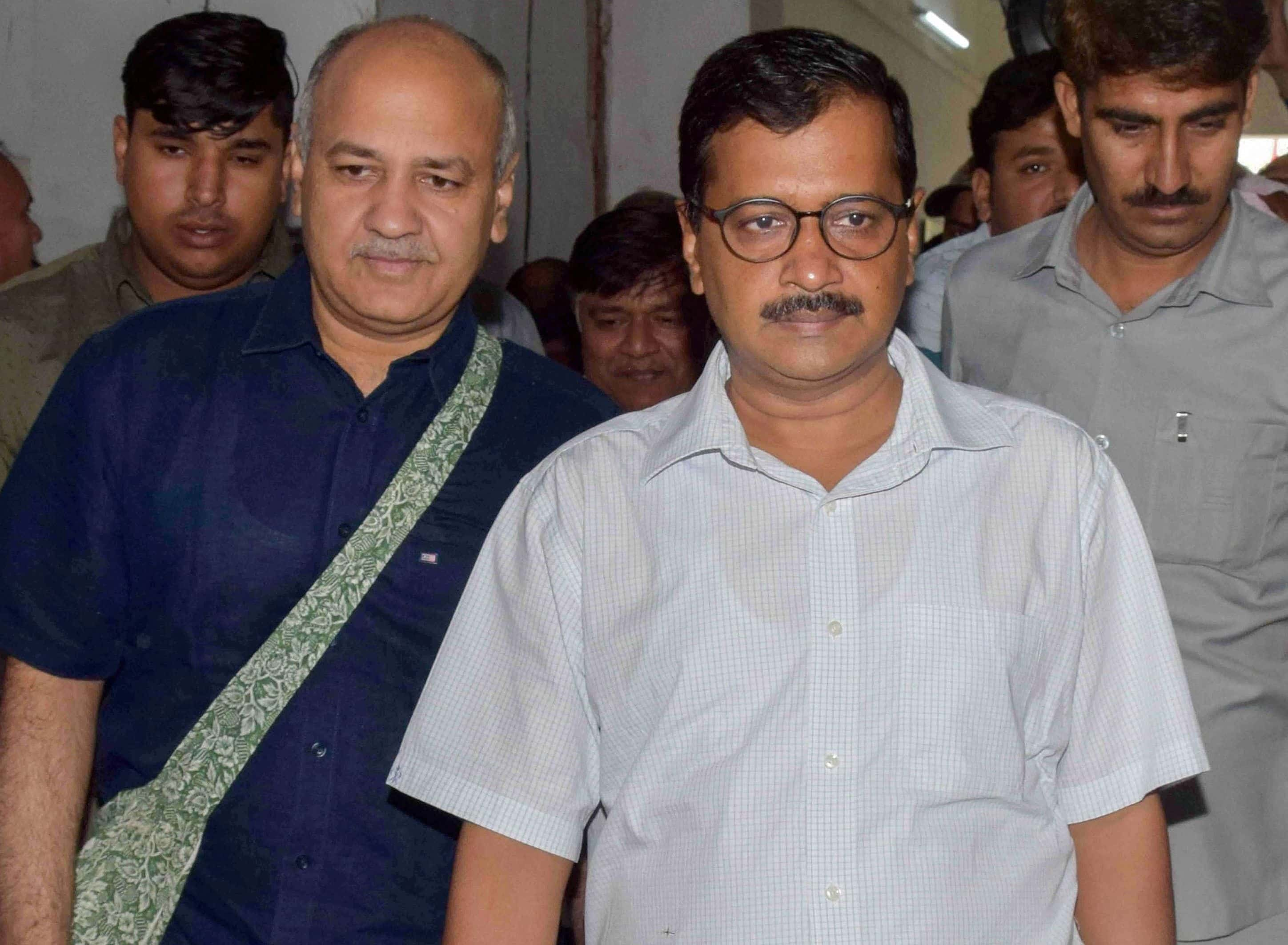 Delhi government set to impose lockdown in COVID-19 hotspots, withdraws order allowing 200 guests at functions