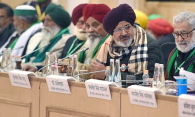 Govt's 10th round of talks with protesting farmers ends; Next meeting on Jan 22
