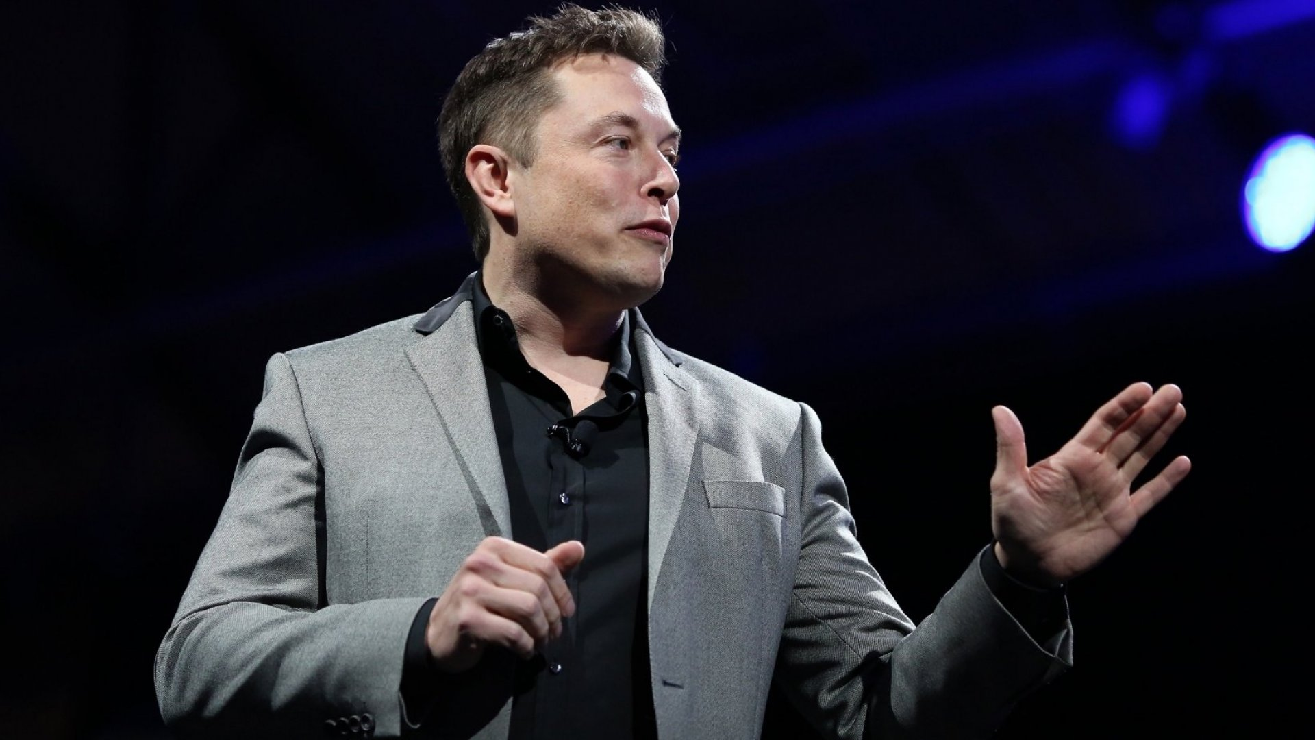 Elon Musk SpaceX says it received over half a million pre-orders for Starlink broadband