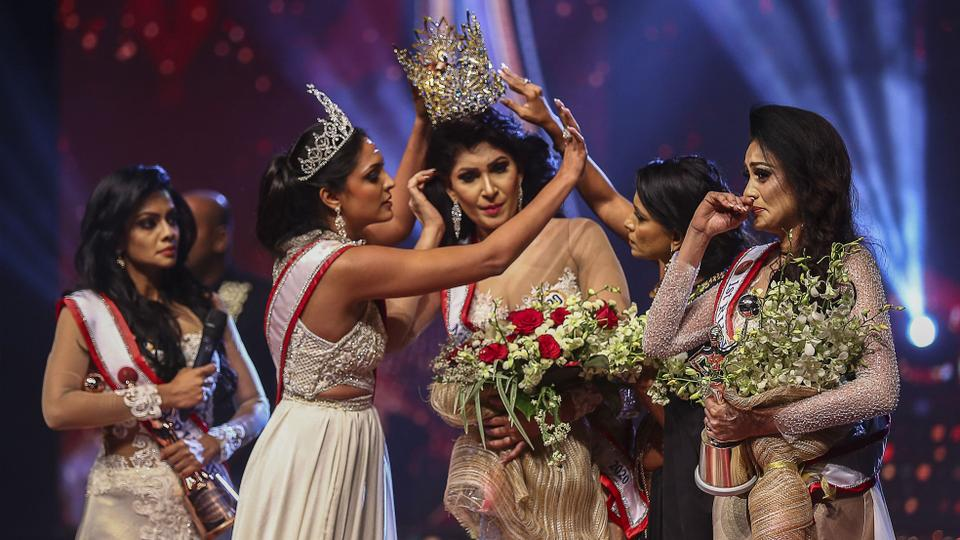 """Mrs Sri Lanka beauty pageant ends with """"high drama"""", crown seized from winner"""