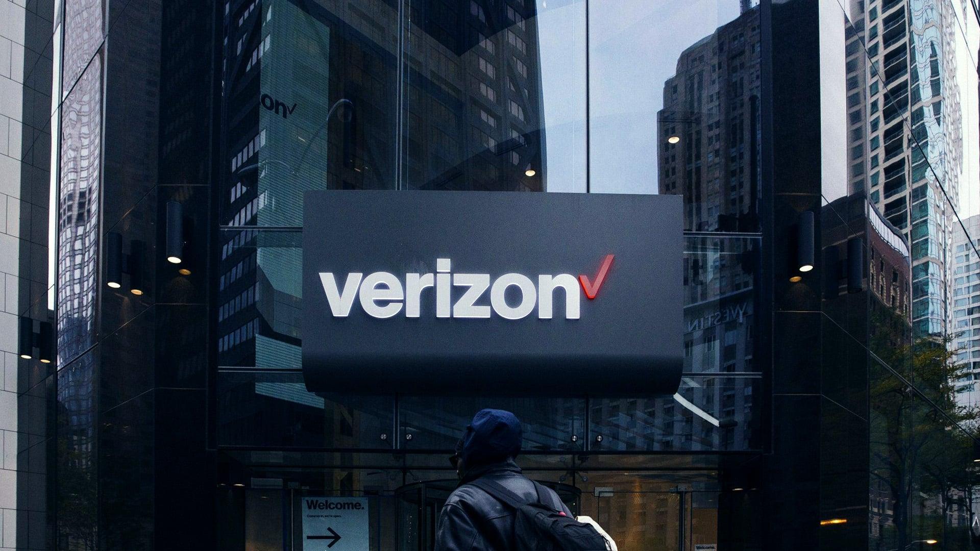 Verizon sells media assets including Yahoo, AOL units to Apollo for 5 billion USD