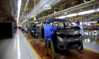 Carmakers turn to digital means to push sales amid COVID-19 pandemic