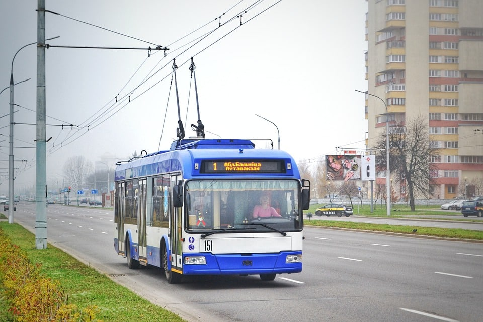 Right interventions and policies could help India decarbonize public transport