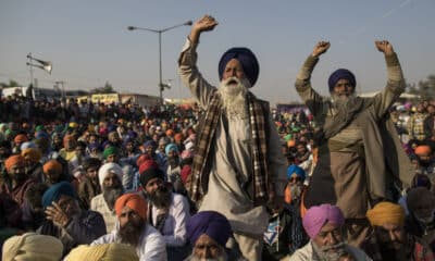 """Agitating farmers mark 6 months of protest with """"Resistance Day"""" over new farm laws"""