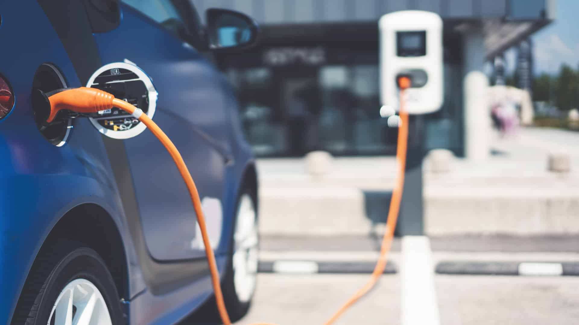 Logistics firm COGOS to induct 2,500 electric vehicles to its fleet