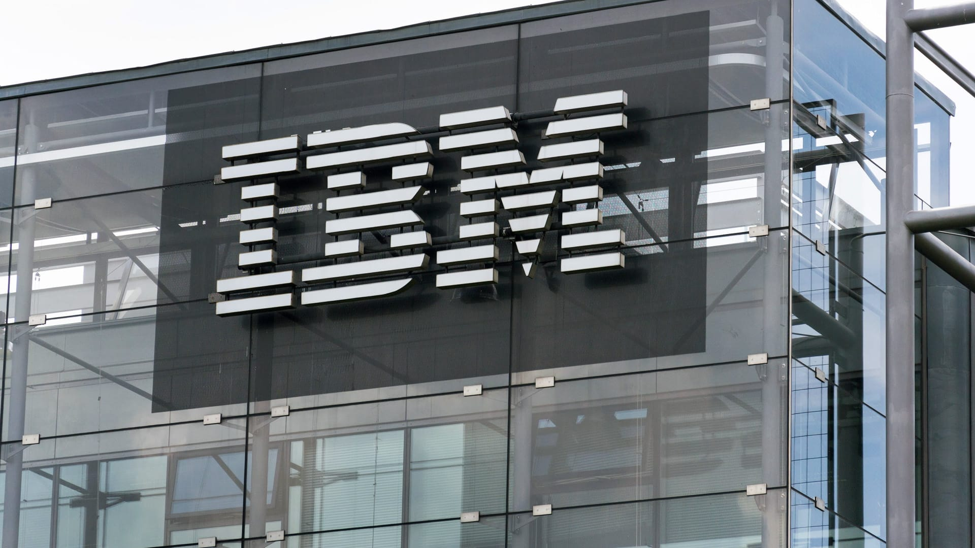 Bangalore International Airport Limited Partners with IBM for Digital and IT Transformation