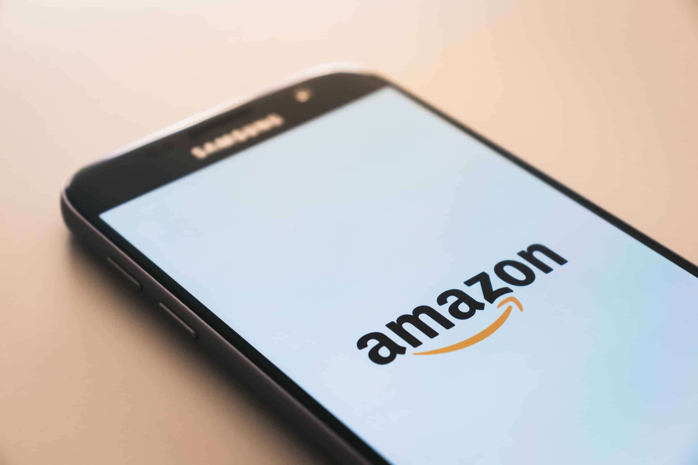 Amazon urges SC for execution of SIAC order to restraint Future Retail-Reliance deal