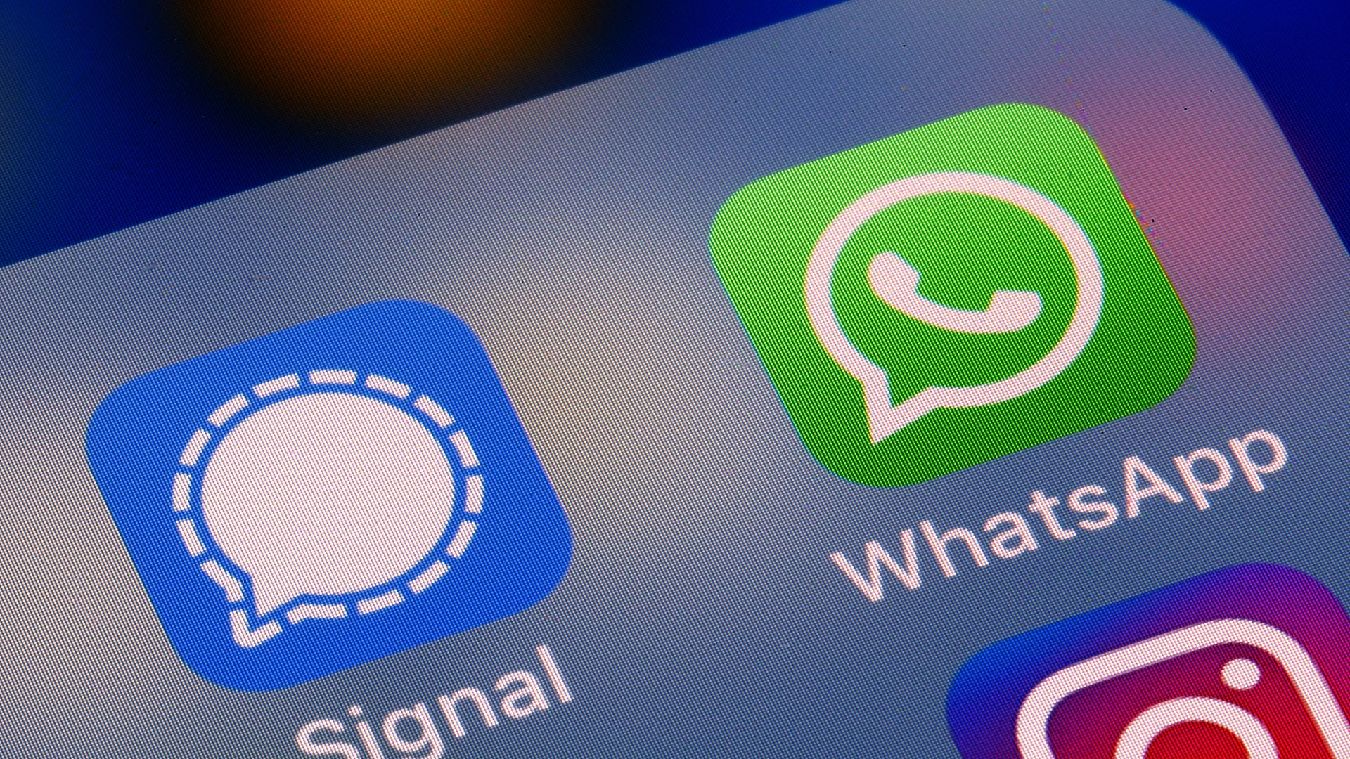 WhatsApp fixes problem in image filter after CPR flagged security vulnerability