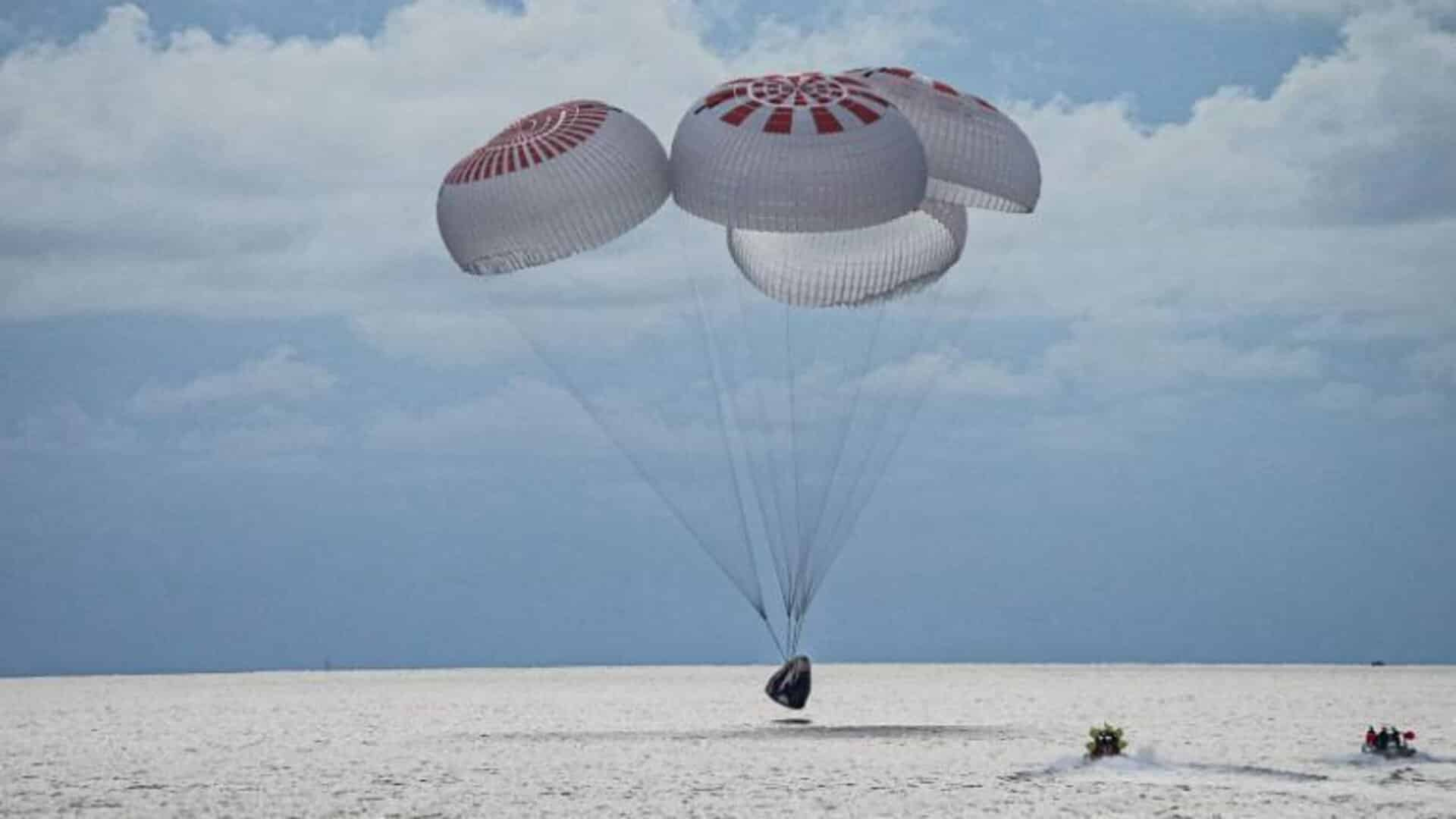 Historic successful space tourism mission returns 4 people to Earth aboard SpaceX Crew Dragon capsule