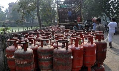 Govt proposes sale of small LPG cylinders, offering financial services via ration shops